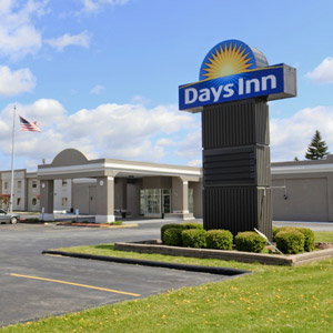 Days Inn Hotel Bedding By DOWNLITE