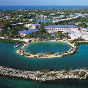 Hawks Cay Resort Bedding By DOWNLITE