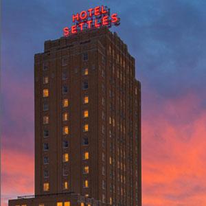 Hotel Settles Bedding By DOWNLITE