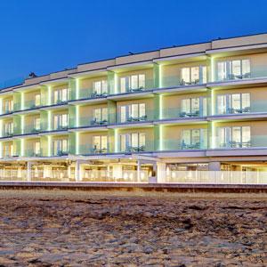 Pier South Resort Bedding by DOWNLITE