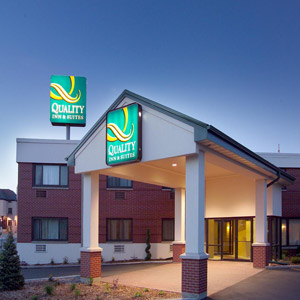 Quality Inn Bedding by DOWNLITE